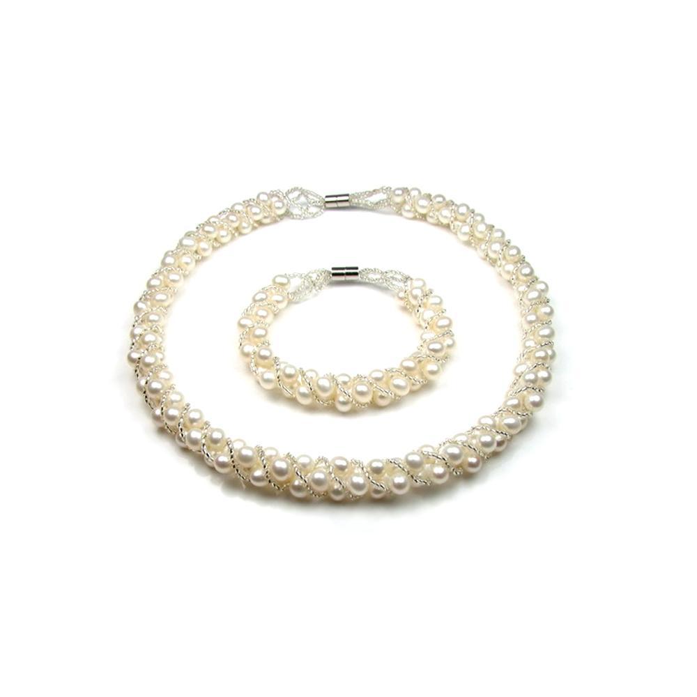 Schmucksets für Frauen - Schmuckset Kette und Armband aus weißen Süßwasserzuchtperlen  - Onlineshop Blue Pearls