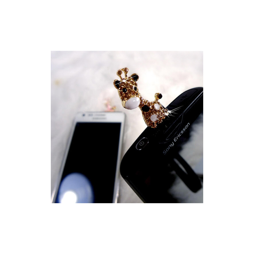 golden-giraffe-jewelry-smartphone