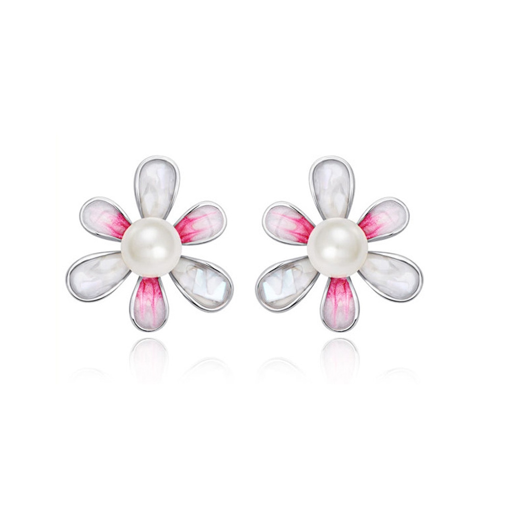 white-pearl-flower-earrings-and-rhodium-plated