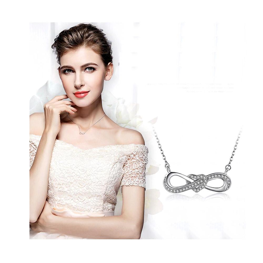 b302ee165ee3 Collar Infinito con cristal de swarovski blanco y plata 925 ...